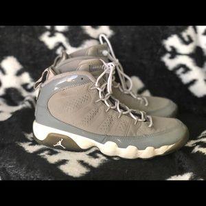 Jordan shoes boys size 5.5